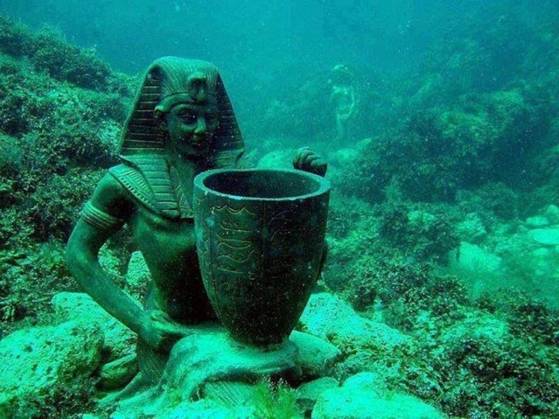 Six Underwater Museum